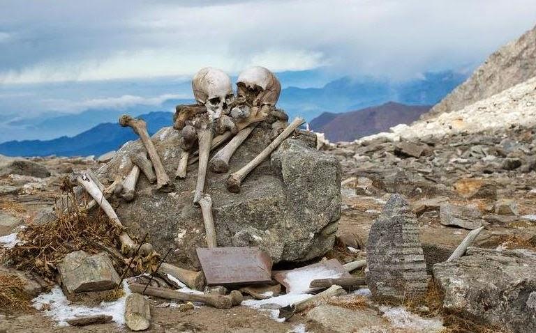 nombreux corps retrouvés au lac Skeleton