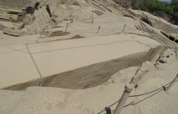granit Assouan exposé dans le documentaire la grande pyramide k 2019