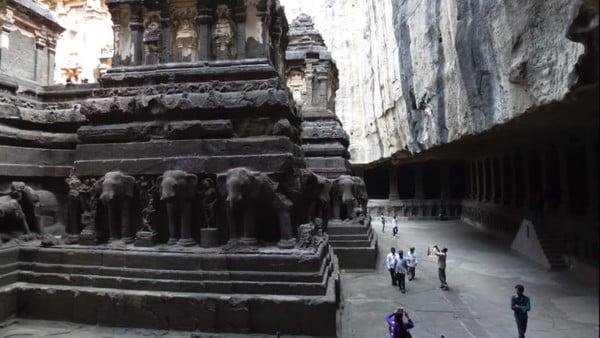 Gravure d'éléphant temple kailasa