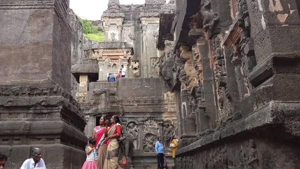 Les parois du temple kailasa