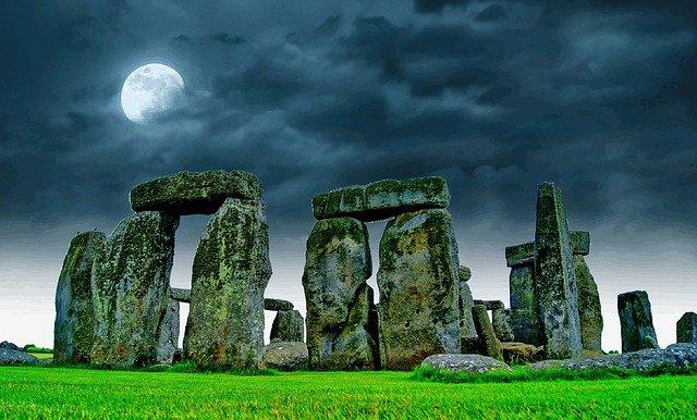 Une nouvelle étude suggère que Stonehenge a été construit pour amplifier le son.