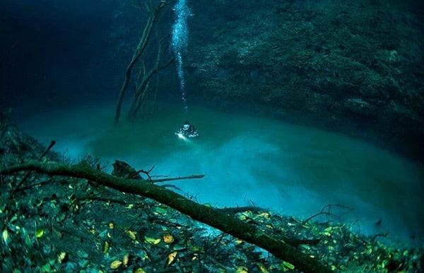 Un rivière sous-marine
