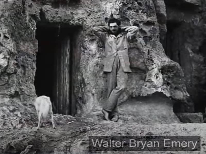 Walter Bryan Emery le découvreur du tombeau du prince Sabu.